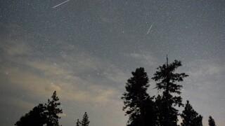 Look up! 2 different meteor showers to peak this week
