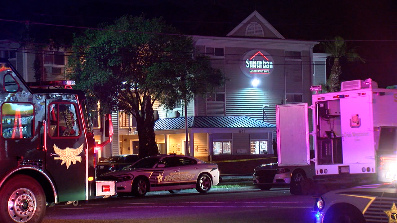 SWAT-standoff-Suburban-Extended-Stay-Hotel.png