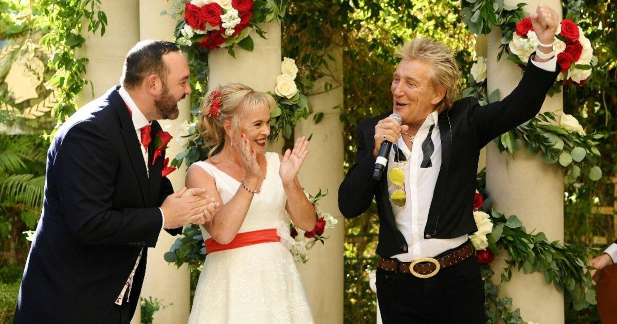 VIDEO: Rod Stewart crashes couple's Las Vegas wedding