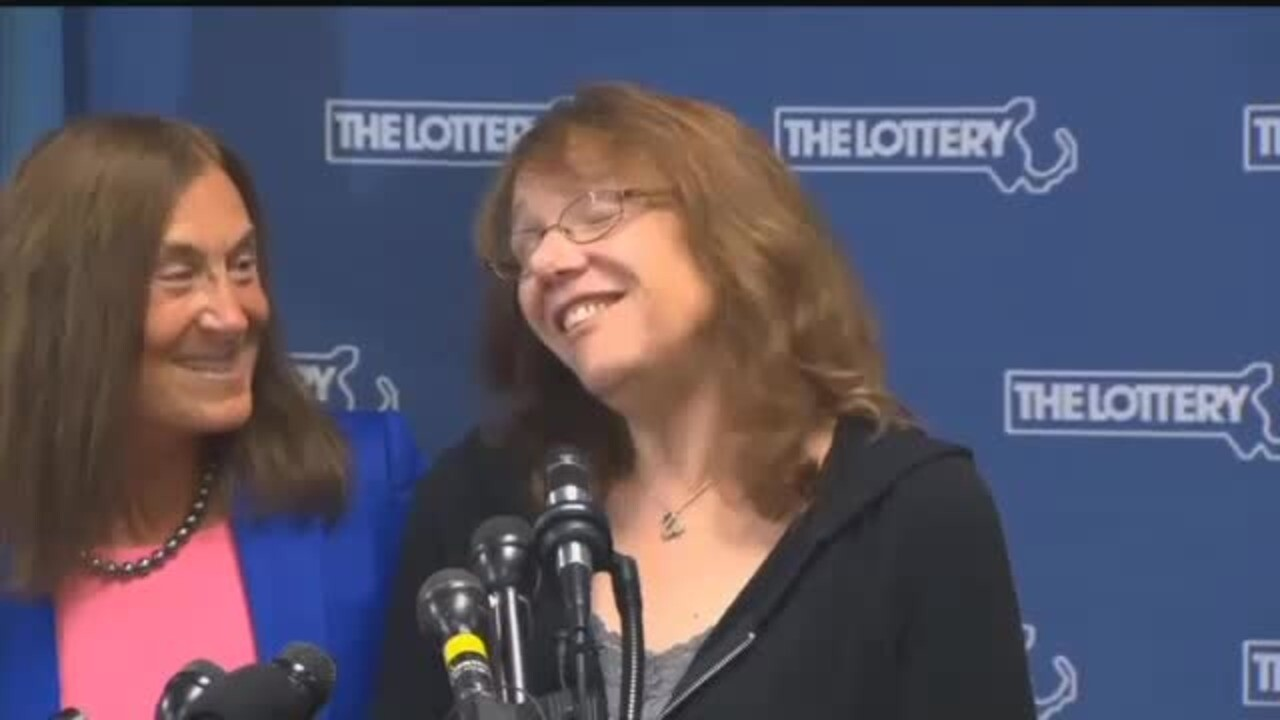 Powerball winner Mavis Wanczyk told her boss she's not coming back