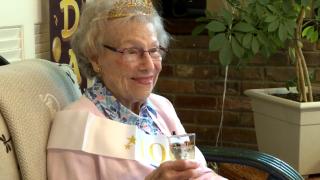 Nashville World War II veteran celebrates 100th birthday