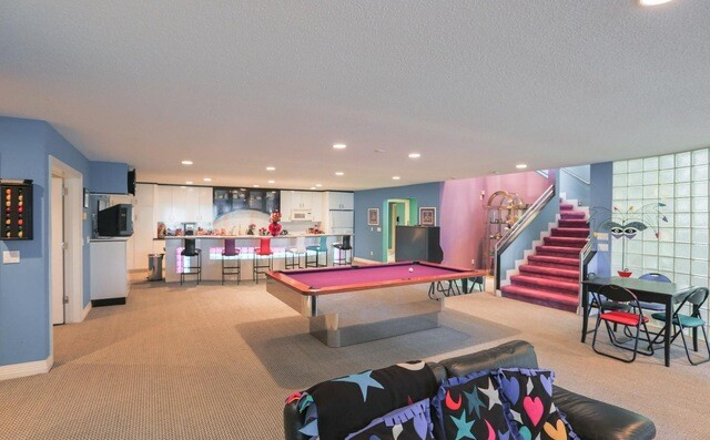 PHOTOS: Michigan mansion listing featuring 90s interior decor goes viral