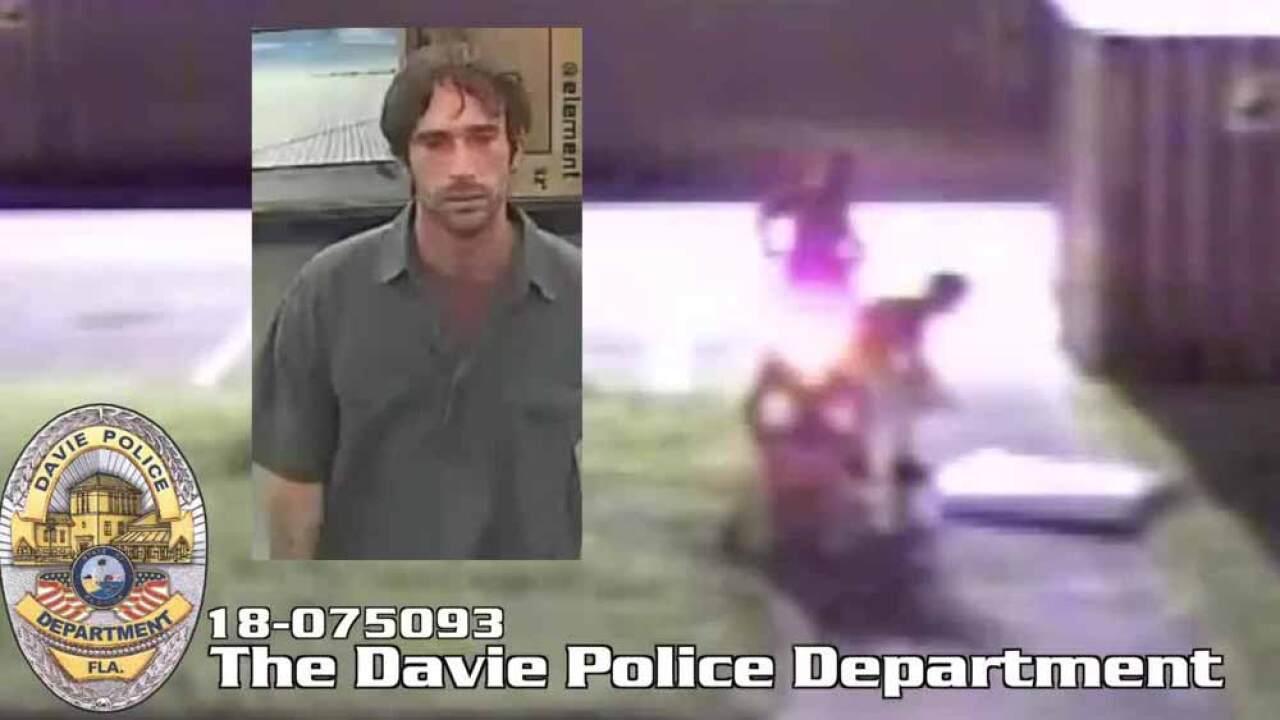 wptv-davie-tv-theft-using-scooter.jpg