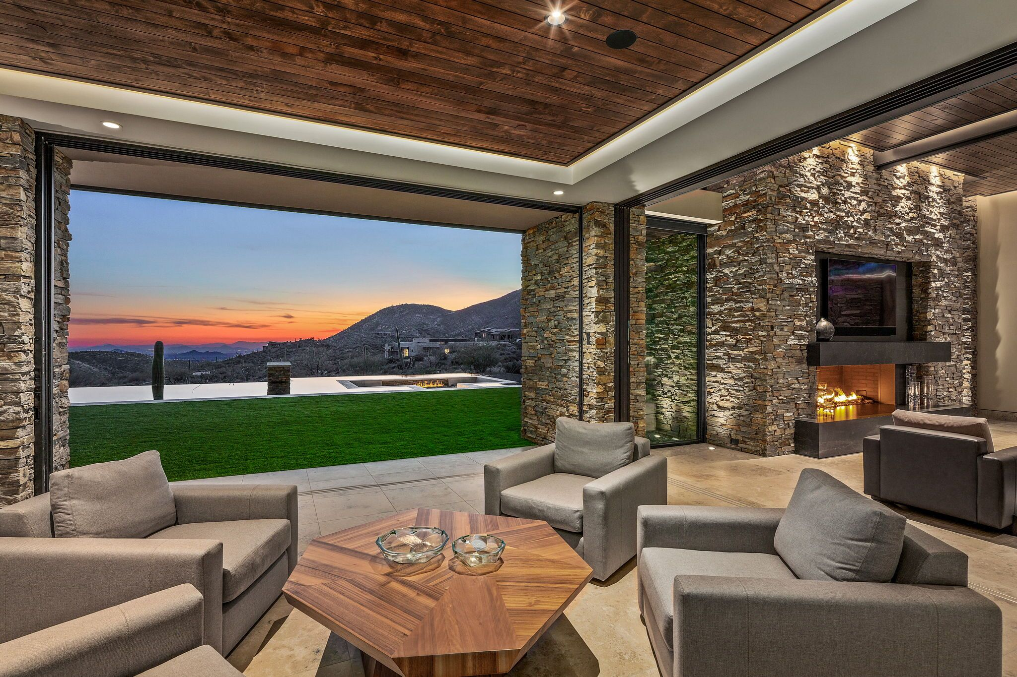 9300+E+Grapevine+Pass+Scottsdale-16-WebQuality-Patio+Views.jpg