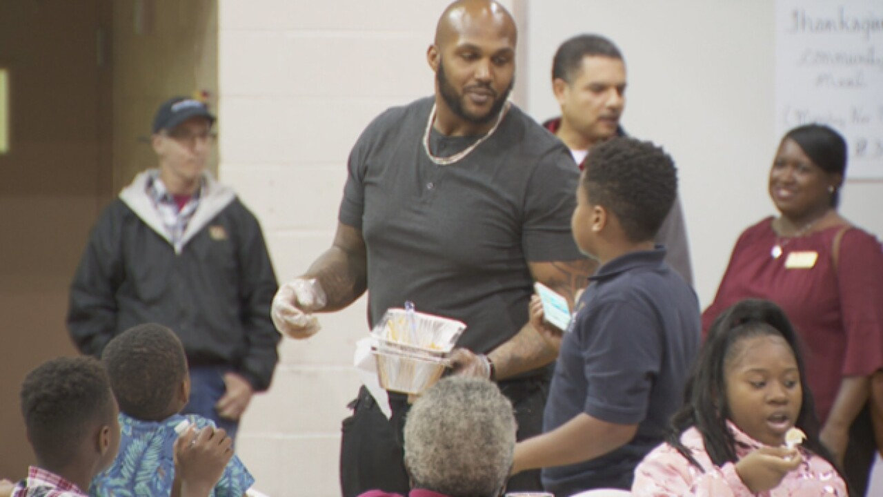 Salvation Army serves Thanksgiving dinner
