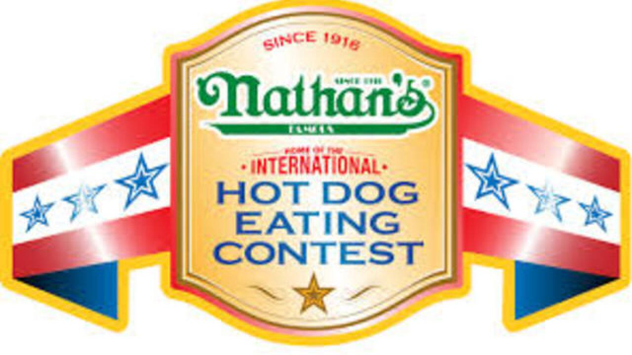 Vegas woman win famous hot dog eating contest