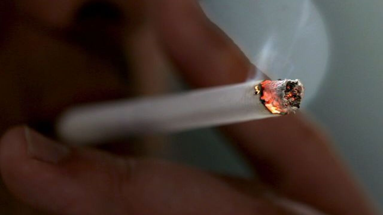California lawmakers near vote on raising smoking age to 21