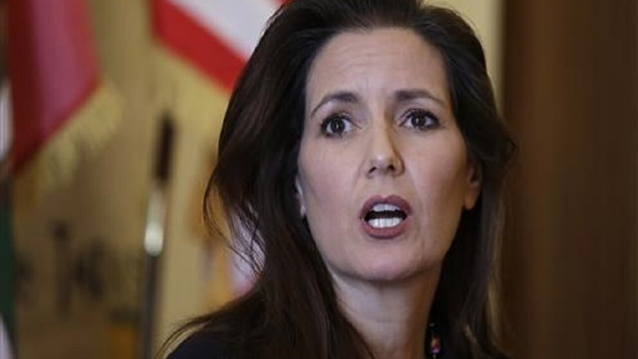 Oakland mayor faces test amid embarrassing police scandals
