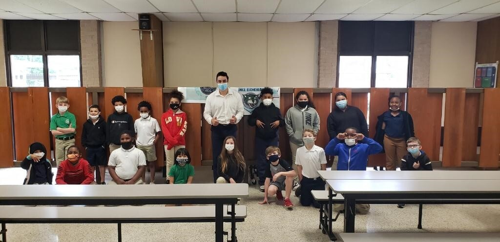 Bradely Benoit visits Eunice Elementary students 2.jpg
