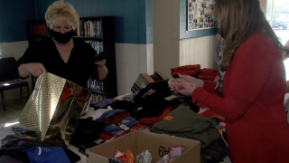 Peoria neighbors collect donations for rehab shelter