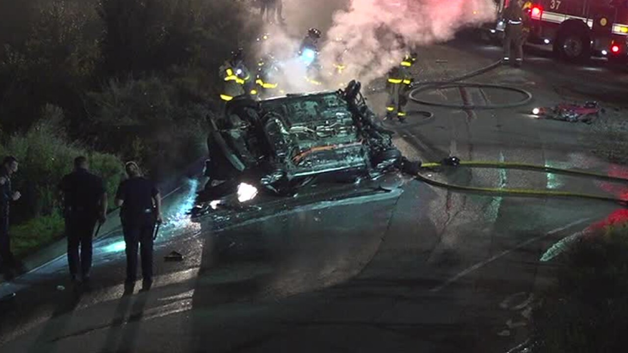 Driver dies in fiery crash off I-15 ramp at Scripps Poway