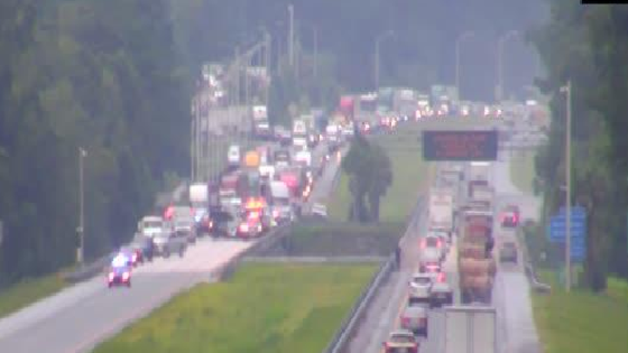 Troopers Crash is blocking all lanes on I-10 in Gadsden County.png