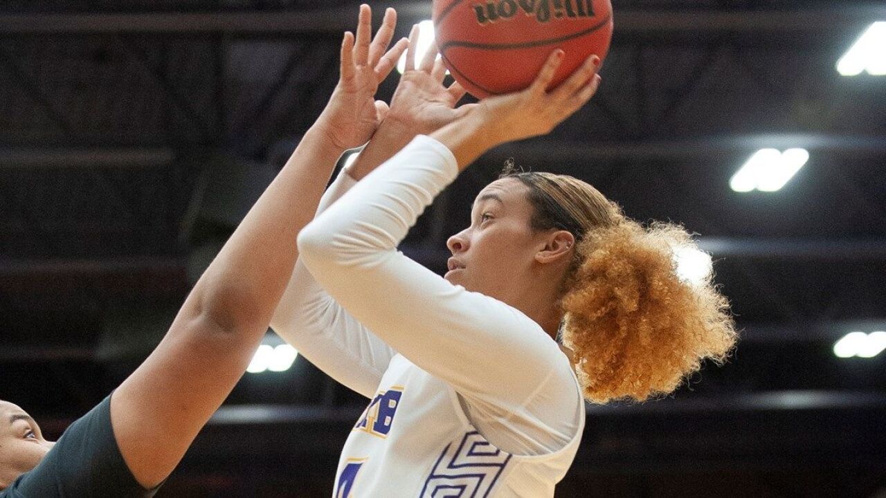 UMHB Women's Basketball rolls past Louisiana College