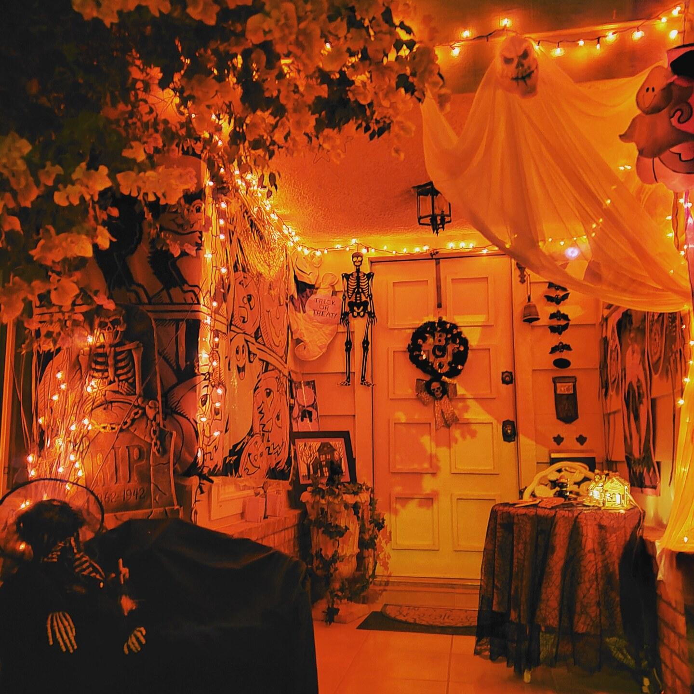 Halloween House SOURCE Lory and Eva Jimenez.jpg
