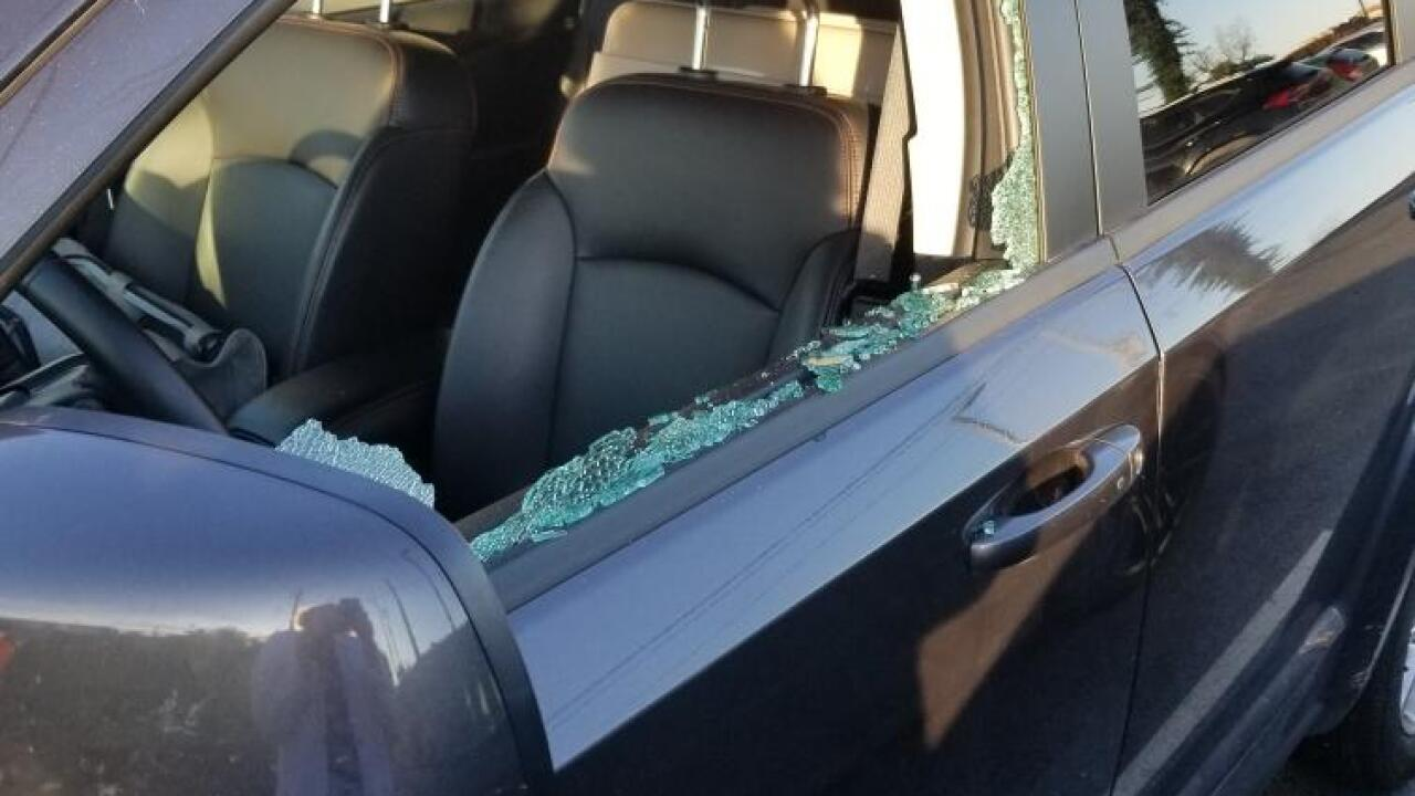 Cars' windows shattered overnight in Ghent