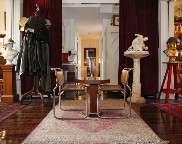 Home Tour: Antiquities find compatible setting in 117-year-old Clifton apartment