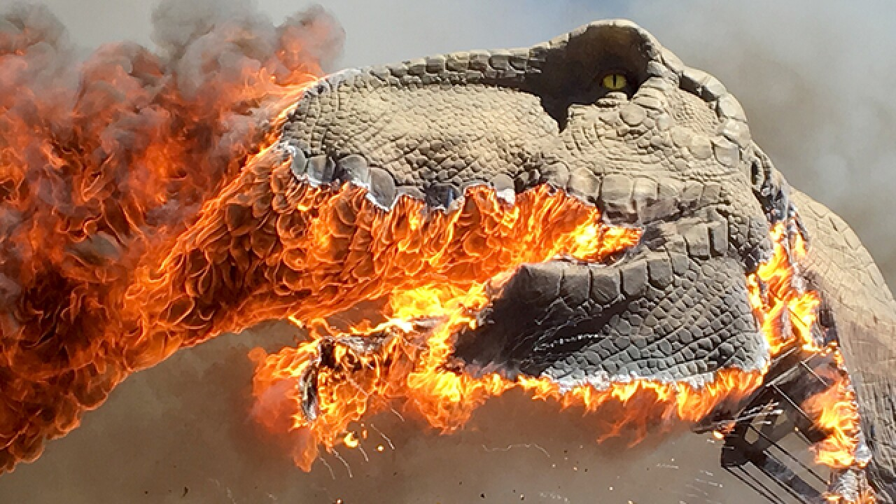 Giant T-Rex model burns at Royal Gorge