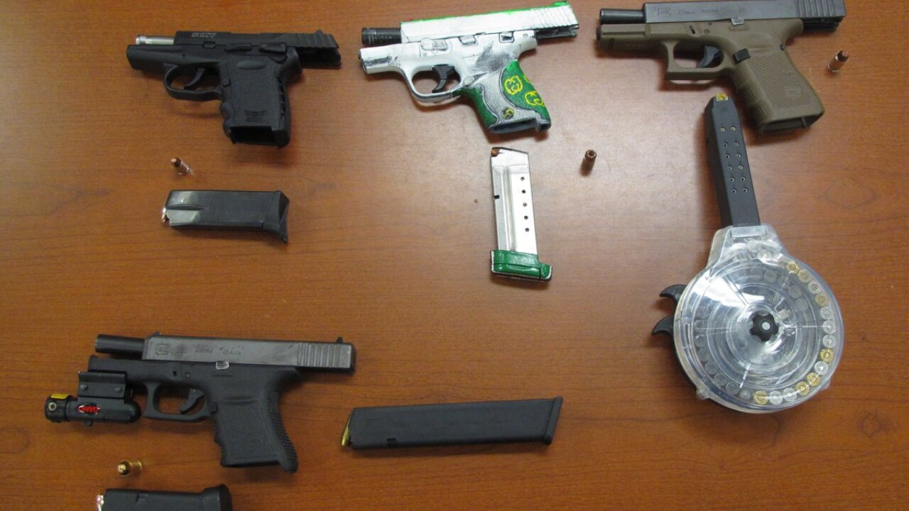 Newport News officer seizes drugs, several guns, and money during traffic stop