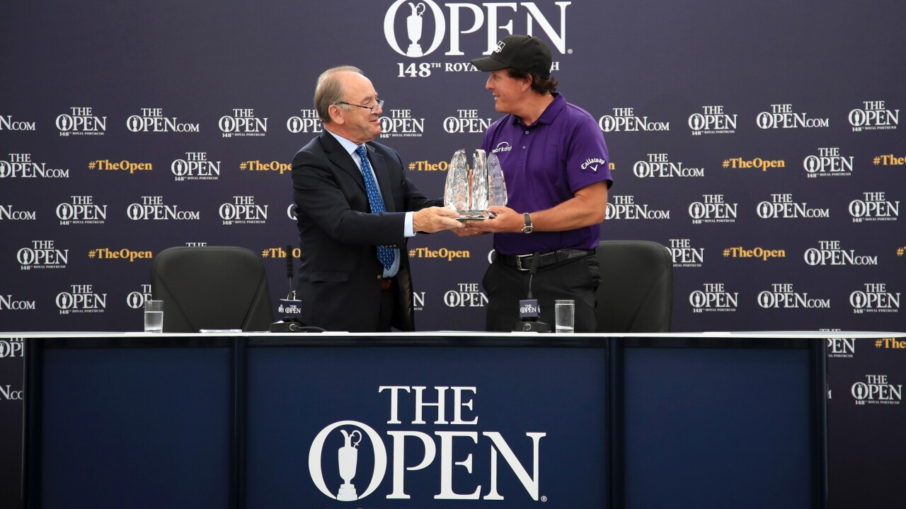 Mickelson awarded for 25 straight years in top 50