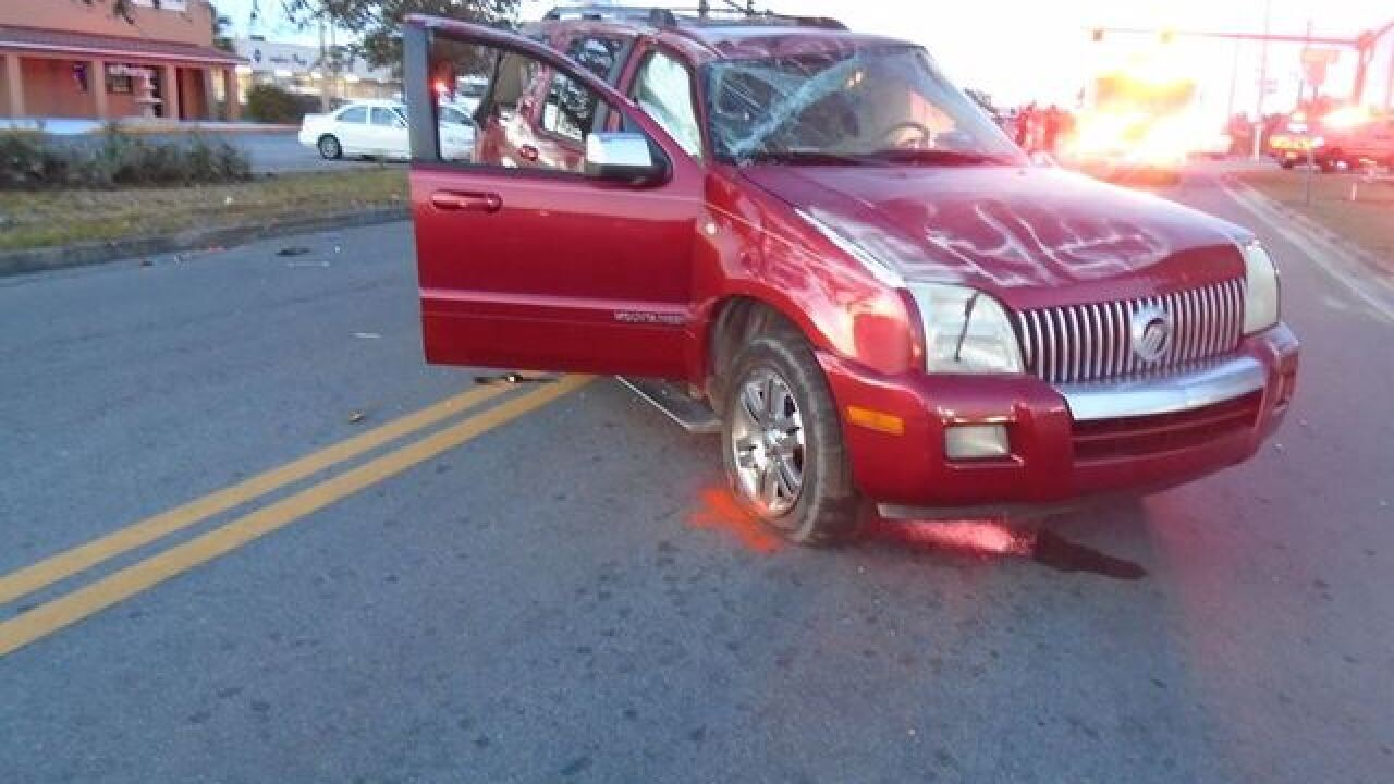 Haines City kids abandoned after red light crash