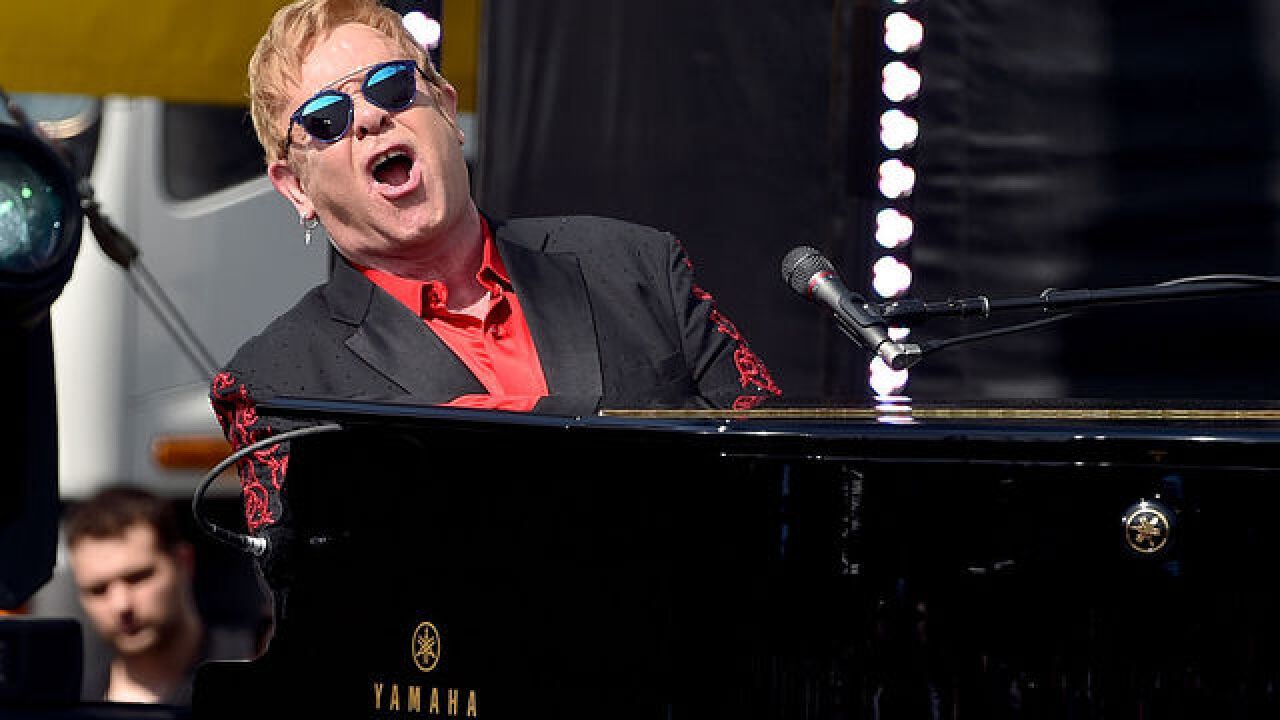 Elton John pays tribute to George Michael in Las Vegas show