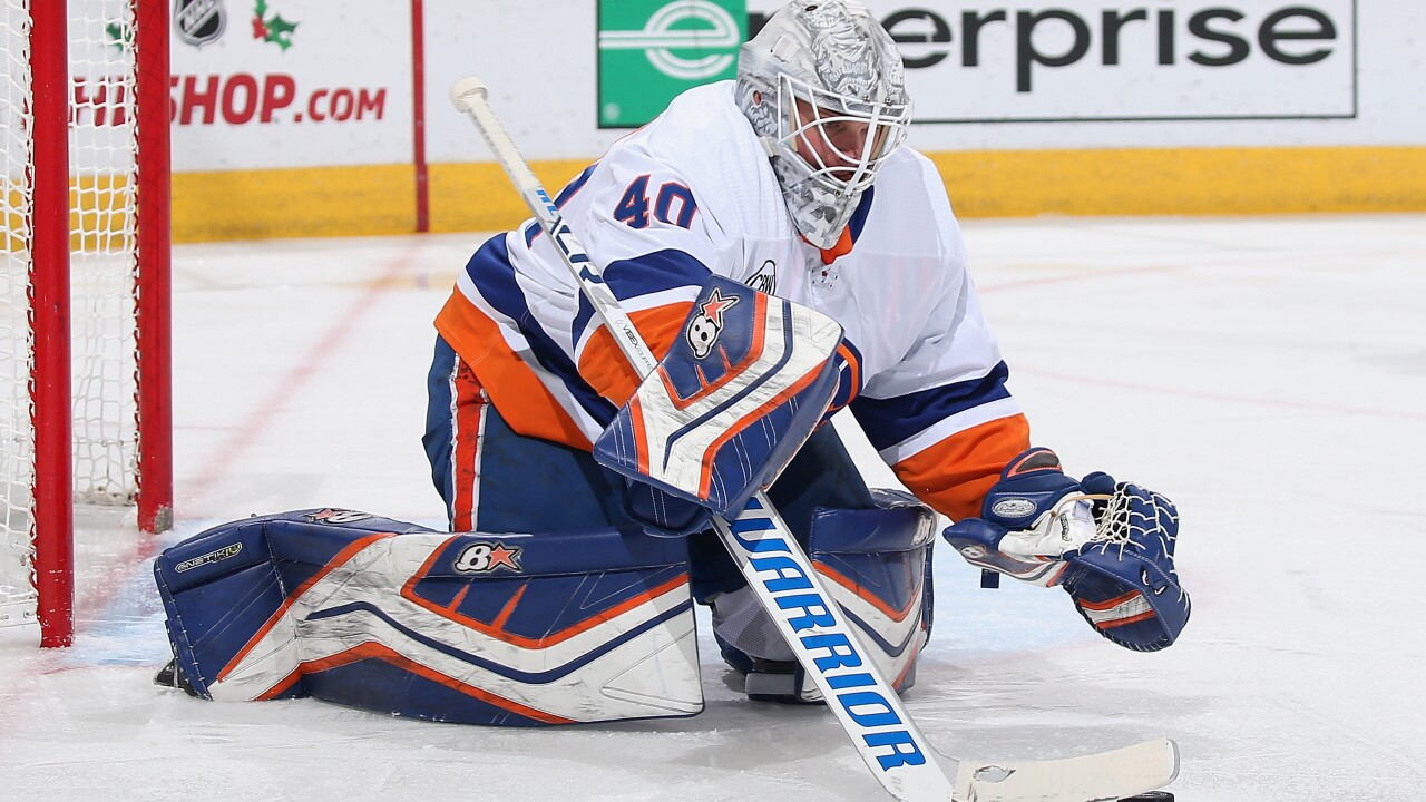 Robin Lehner turns away 39 of 40 shots faced in a 3-1 win against his former team