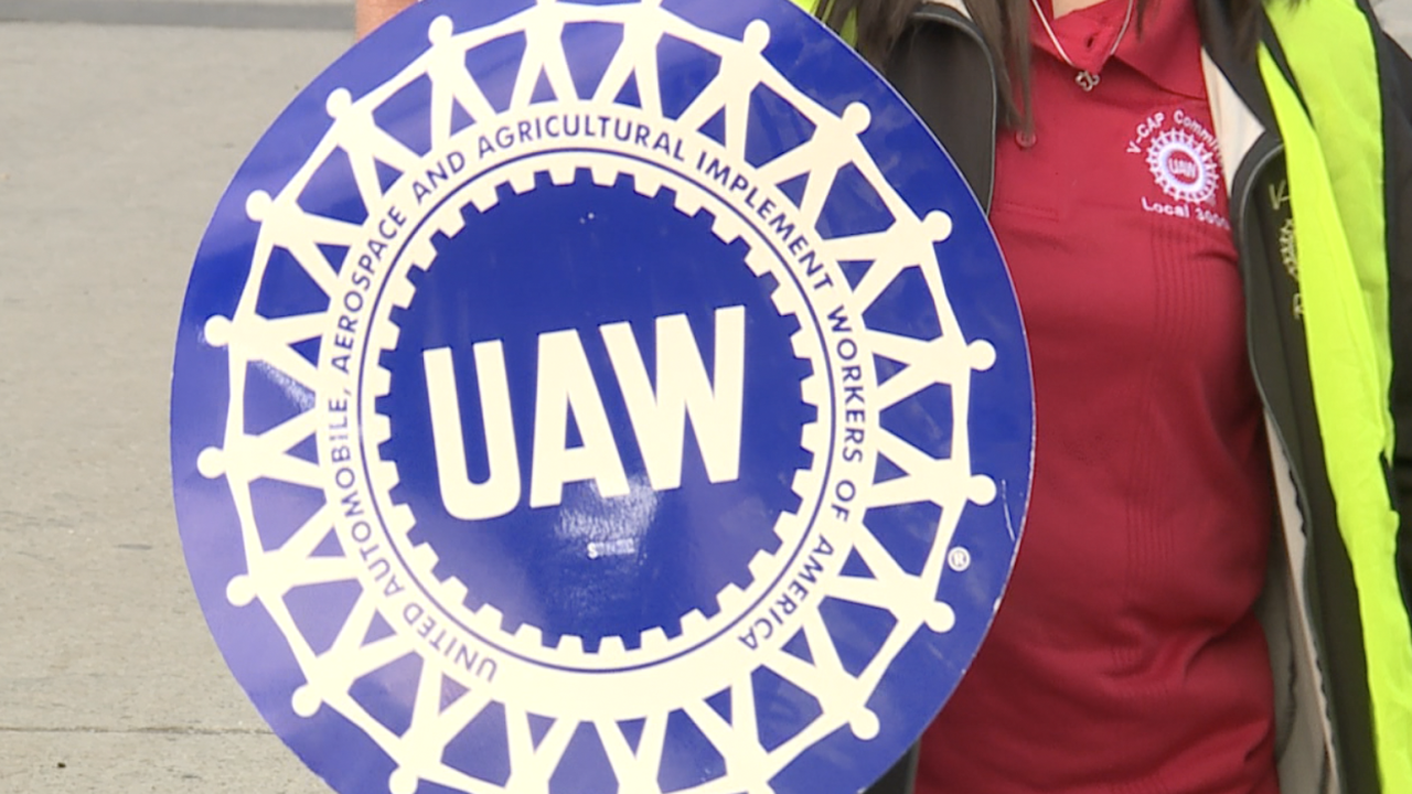 Local UAW-GM union members to meet in Detroit Thursday, settlement could be in the works