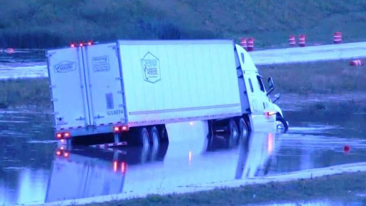Flooding closes I-43 in both directions