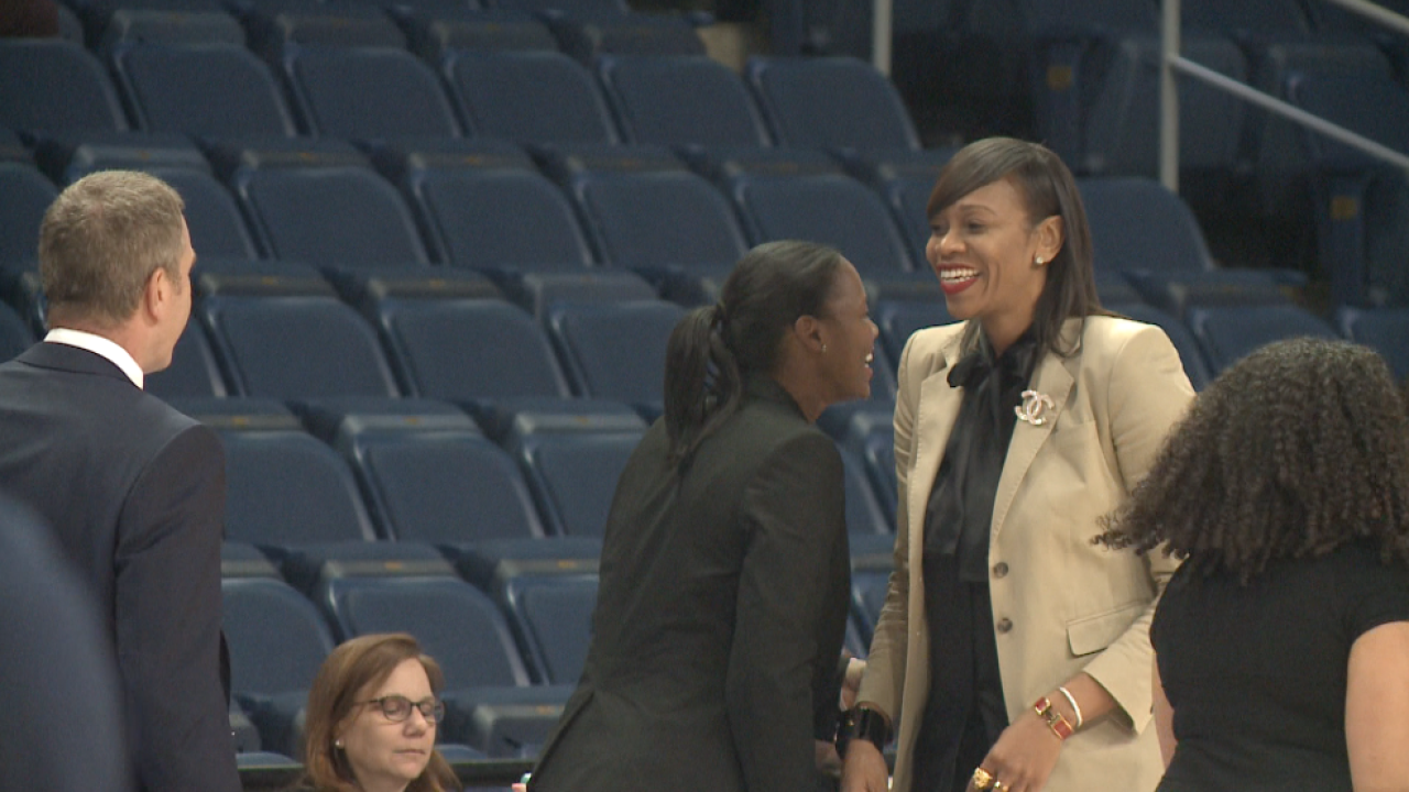 In battle between gold medalist coaches, ODU women's hoops out-dueled by UVA73-67