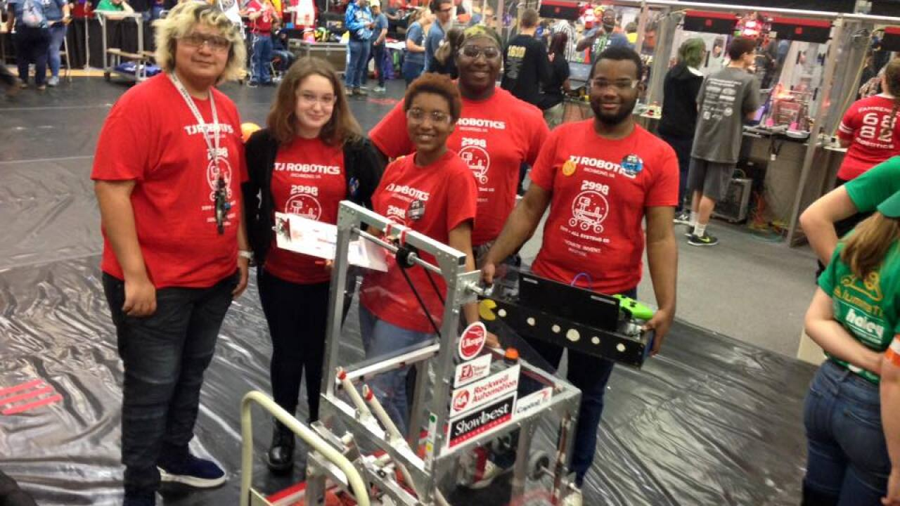 Community rallies around robotics team; helps send them to World Championships