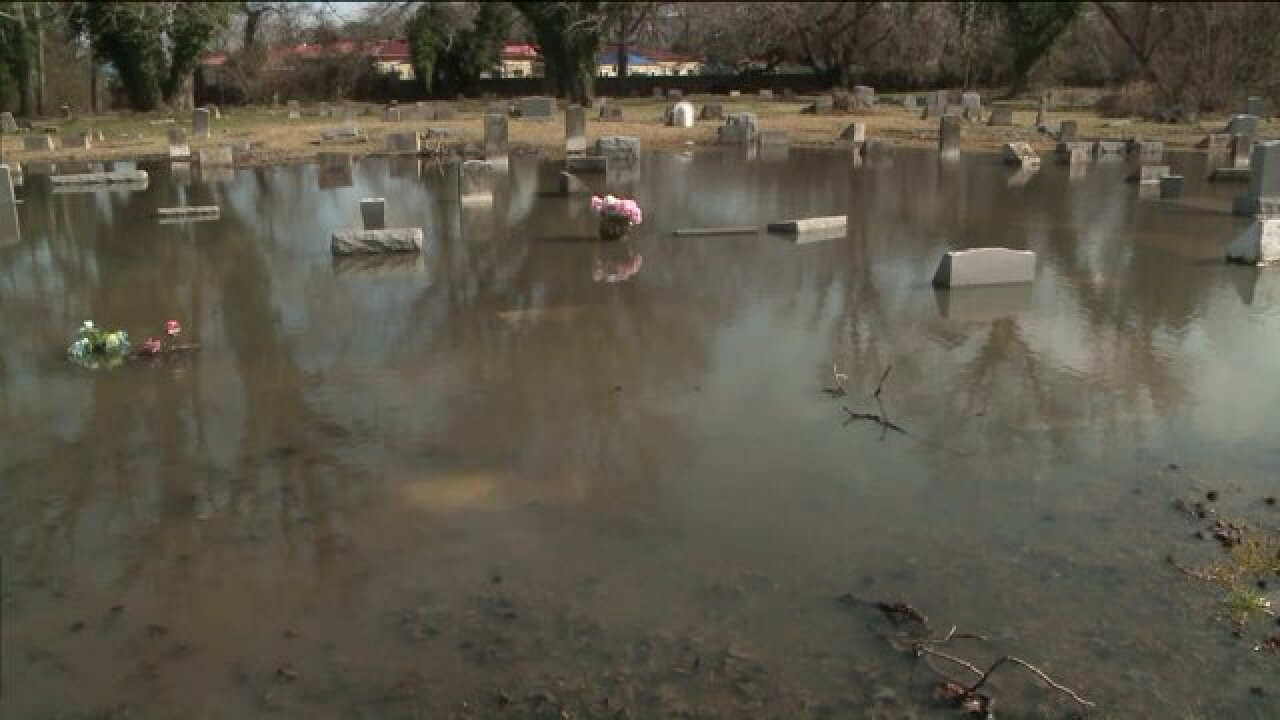 Viewer asks NewsChannel 3 to take action for floodedcemetery