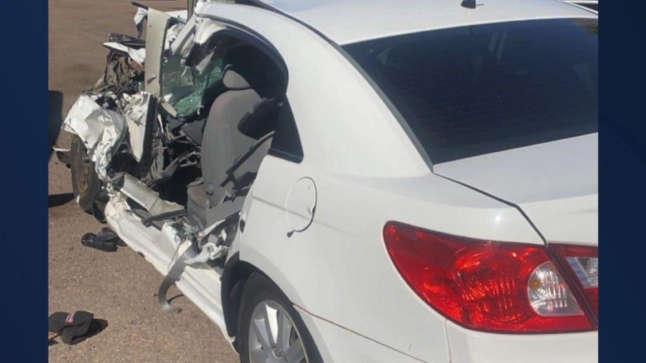 Arizona teen hurt in crash on US 60