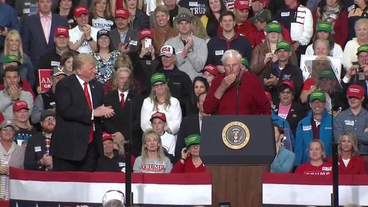 Hoops legend Bob Knight joins Trump in Indy