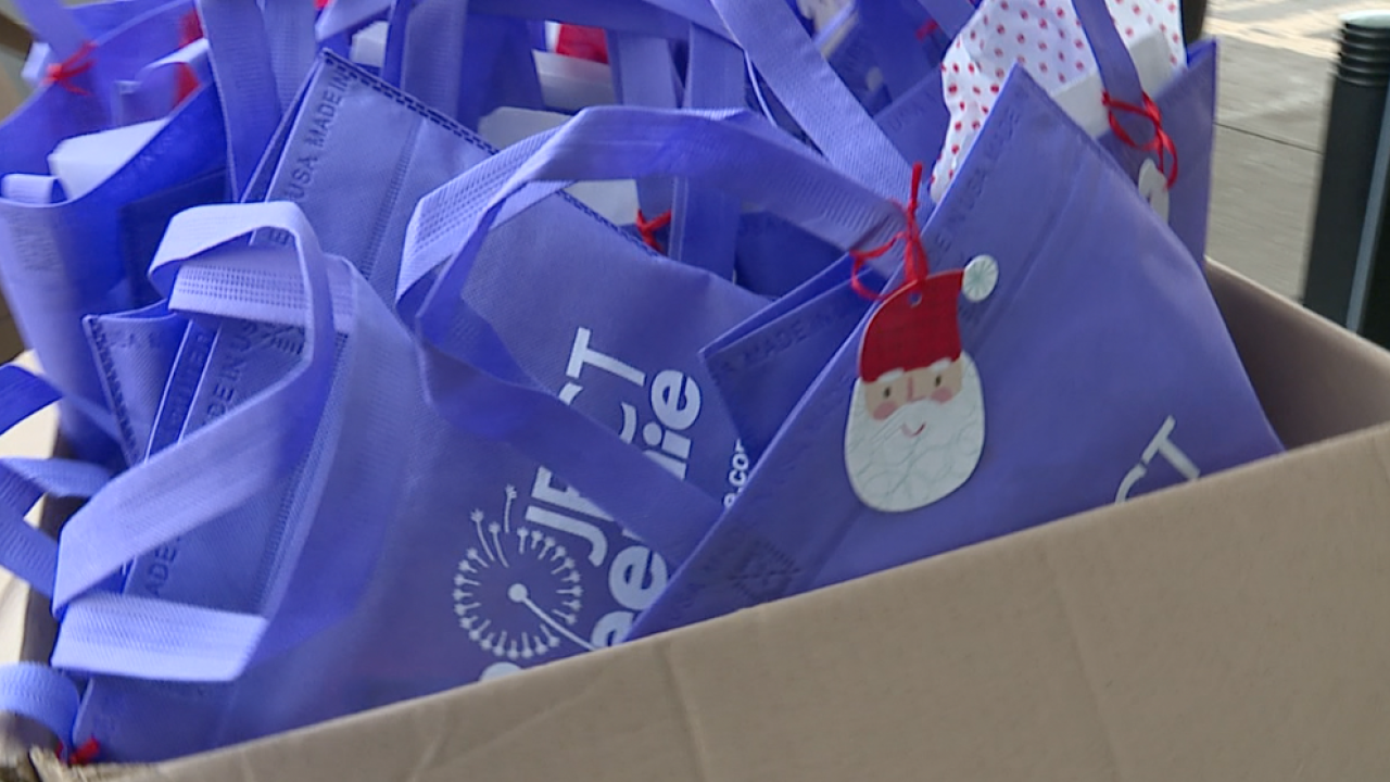 Project Preemie holiday gift bag