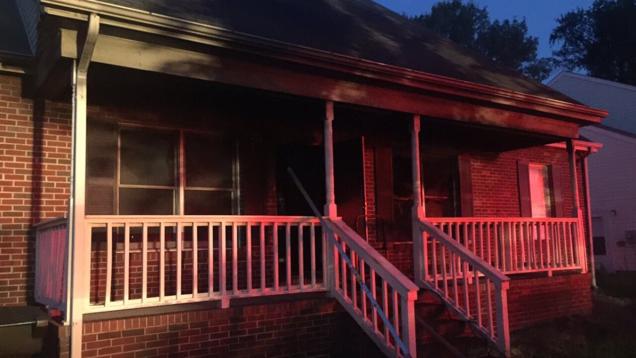 Early morning house fire in Hampton under investigation