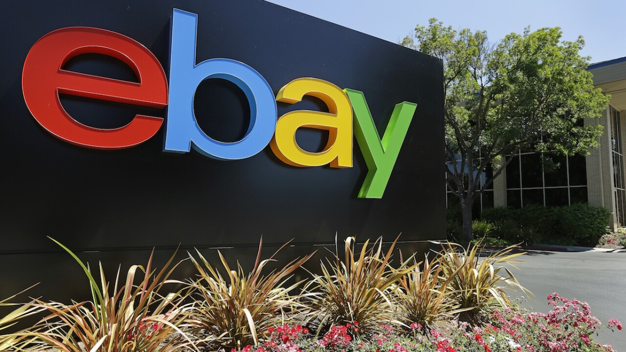 Feds: eBay staff sent spiders, roaches to harass couple