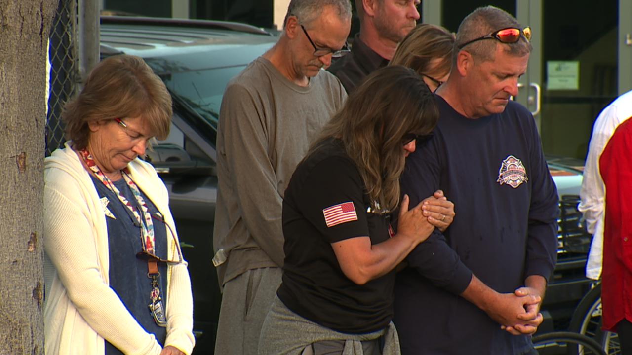 Community members in Coronado pay tribute to 9/11 first responders