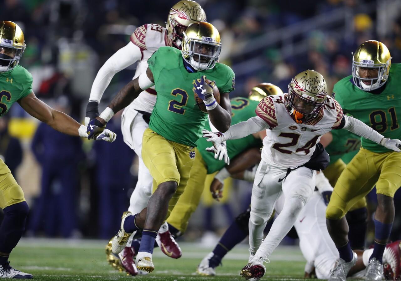 Notre Dame Fighting Irish running back runs for TD vs. Florida State Seminoles in 2018