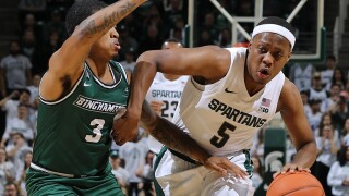 Cassius Winston plays after brother's death, Spartans win easily