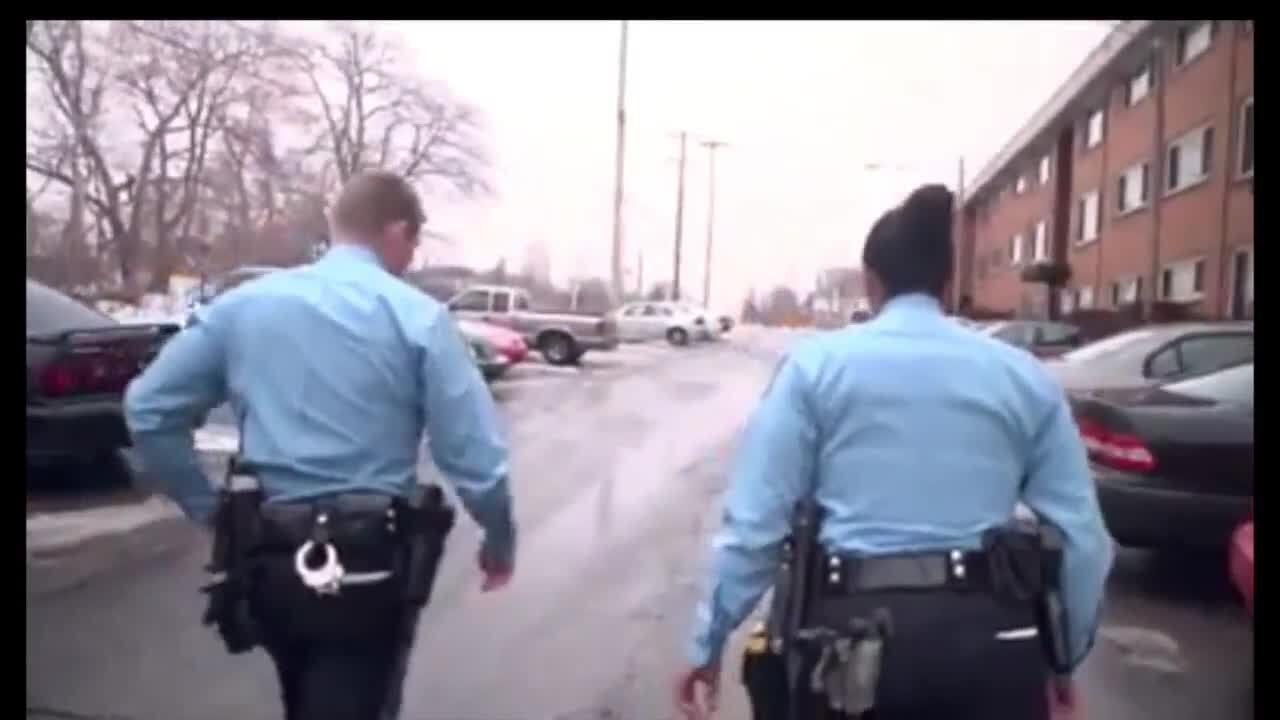 Lansing police department hiring officers