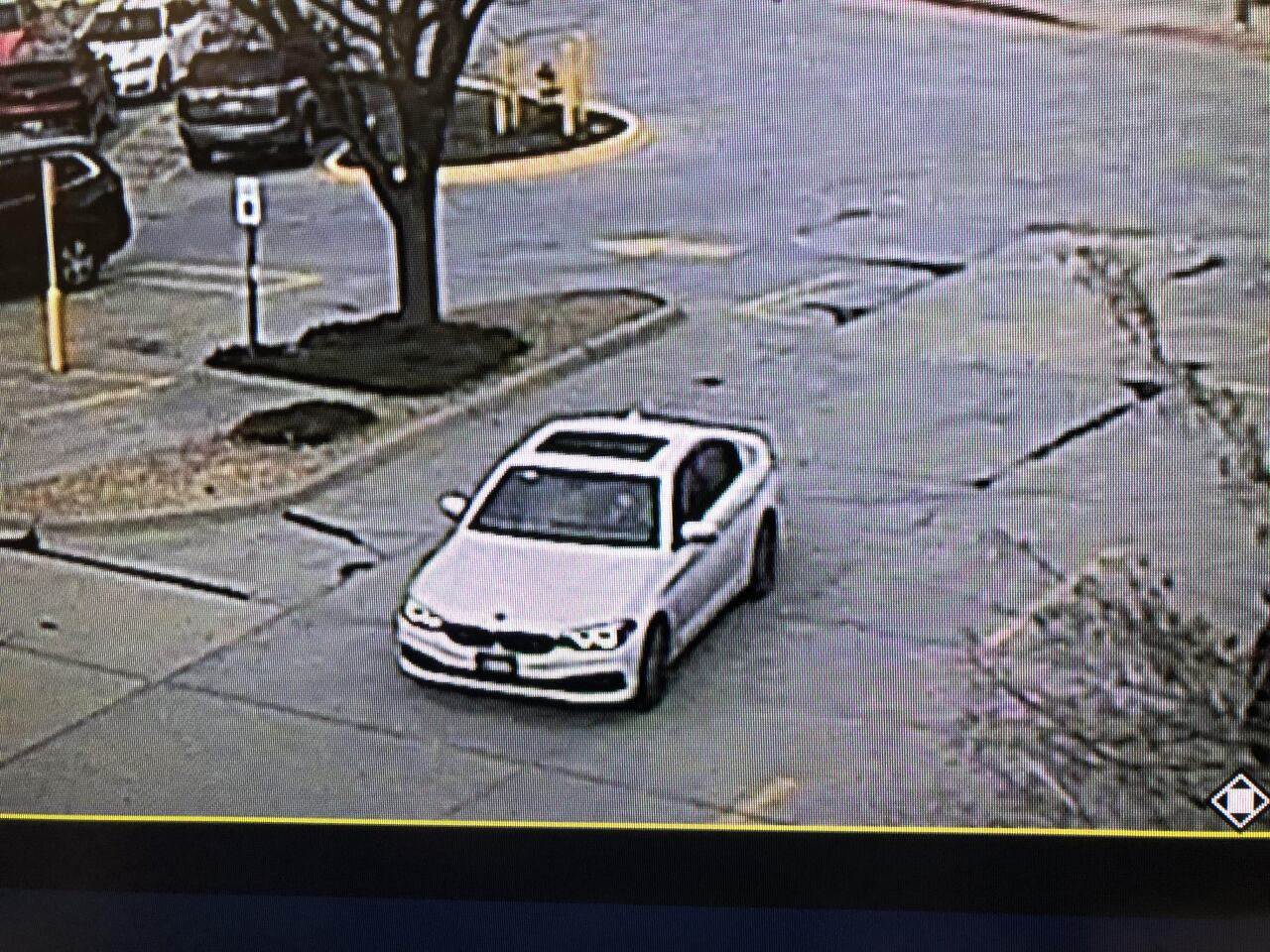 suspect_vehicle_westroads.jpg