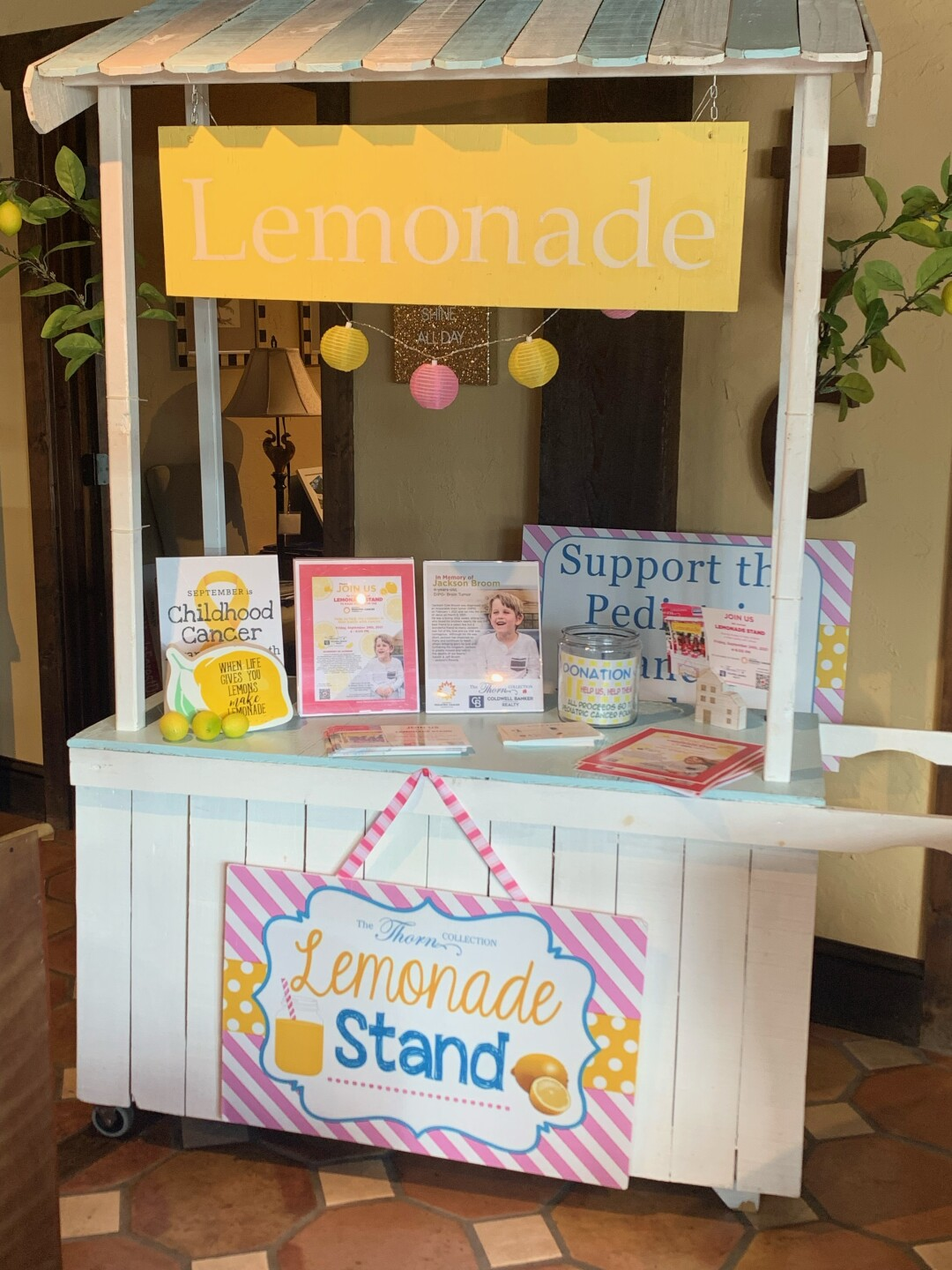 Thorn Collection lemonade stand 2