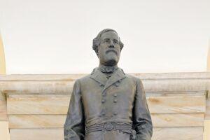 Robert E. Lee from National Statuary Hall.jpg