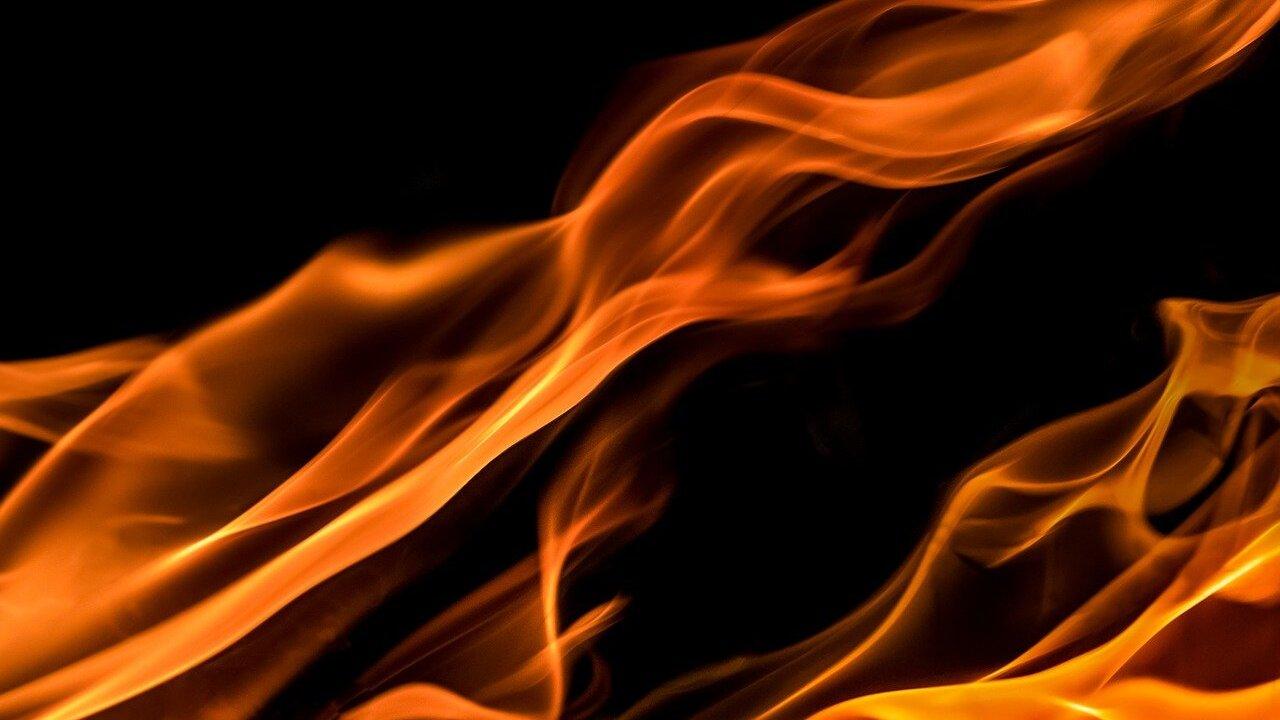 flames-1645399_1280.jpg