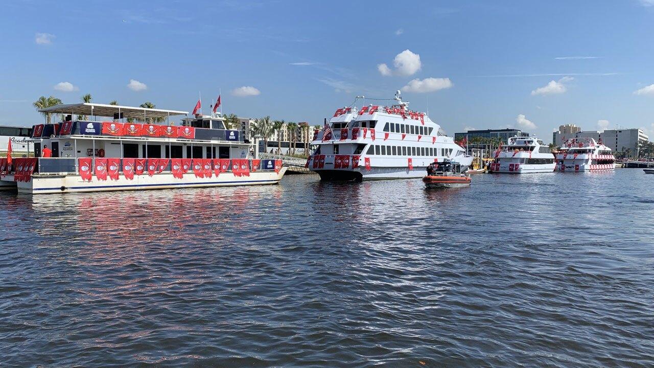 Bucs-Victory-Celebration-boats-lined-up-BRAD-DAVIS-1.jpg