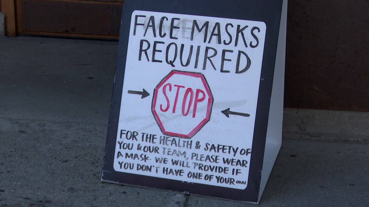 Mask requirement sign in Missoula