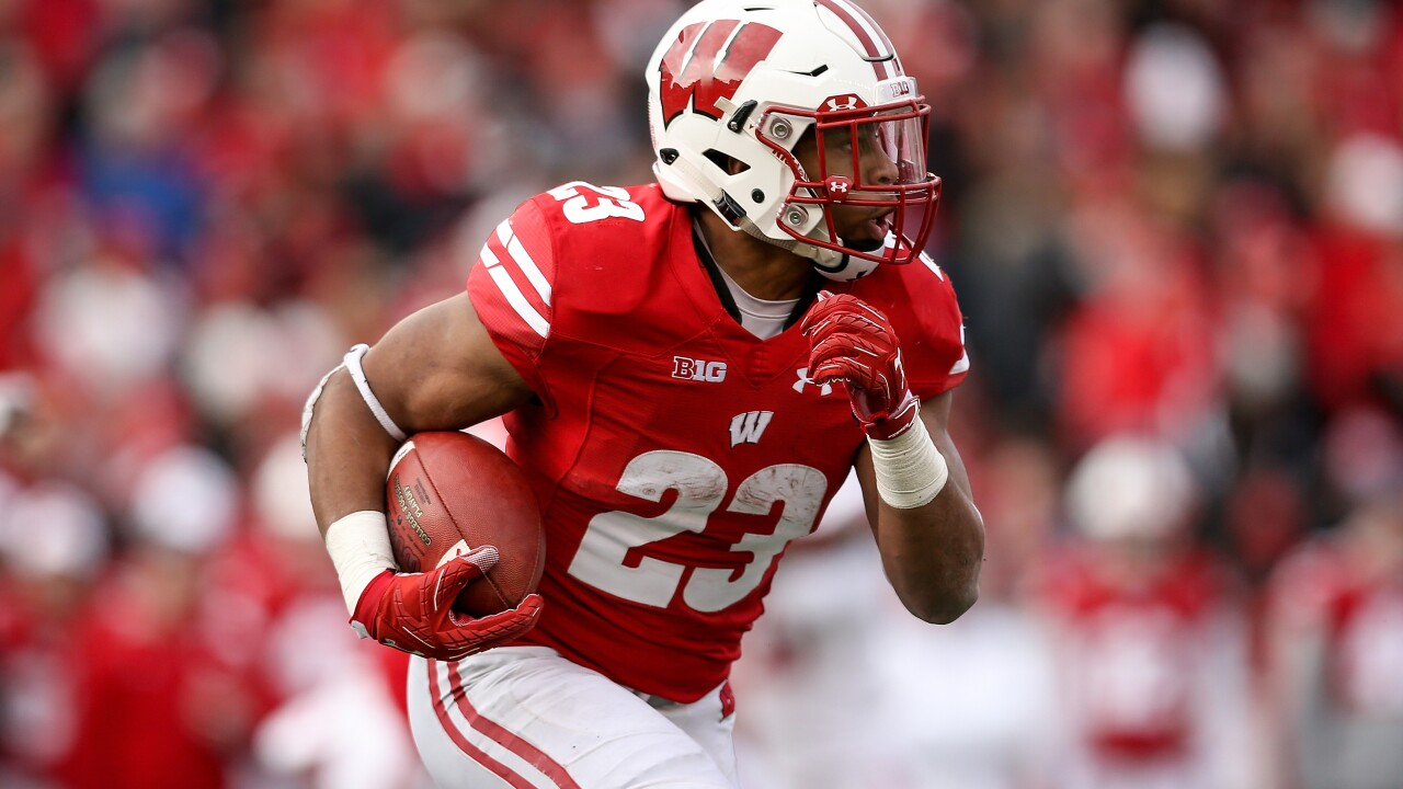 Jonathan Taylor, No. 8 Wisconsin to host Big Ten foe Michigan State