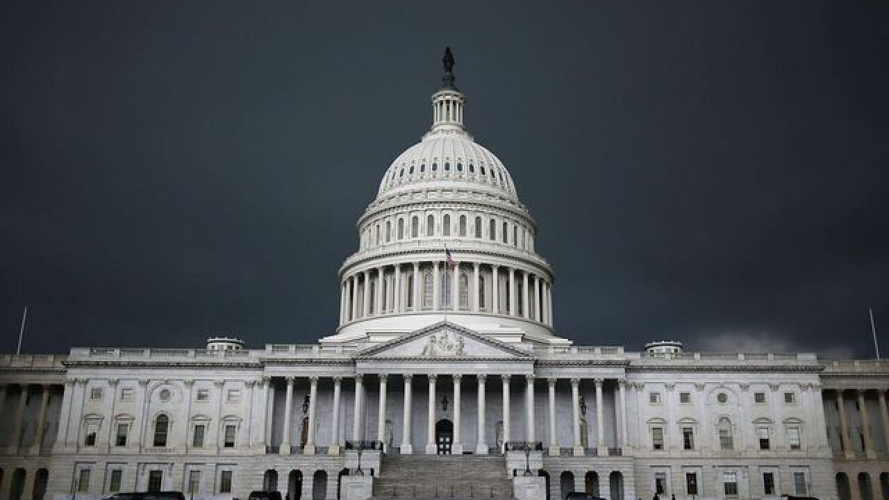 Trump speaks to GOP leaders as shutdown looms