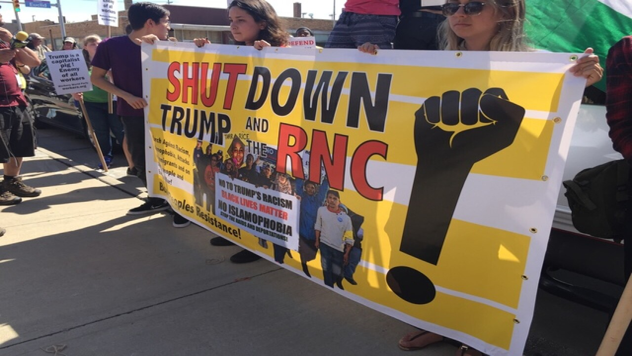 GALLERY | Shutdown Trump protesters in Cleveland