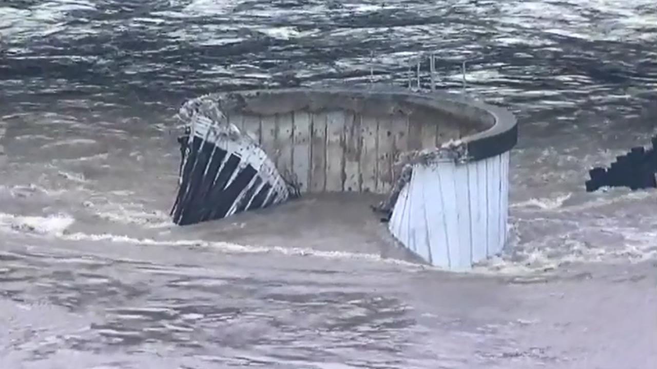 Barge into I-10 Bridge houston (4).PNG